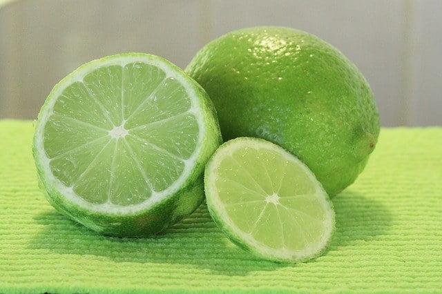 fruta por l lima